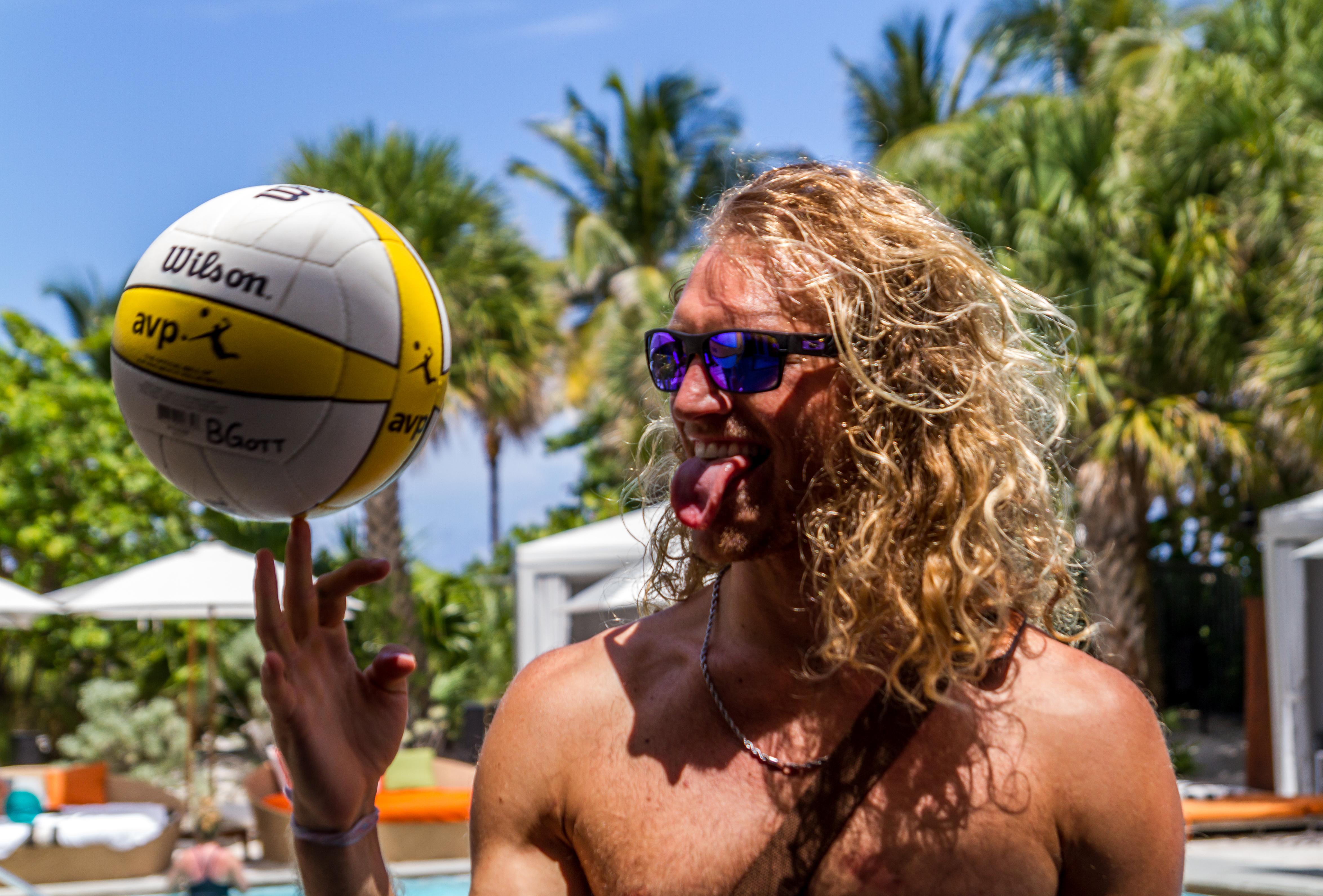 Next_Radio_App_Pool_Party_SLS_Miami_Beach_7